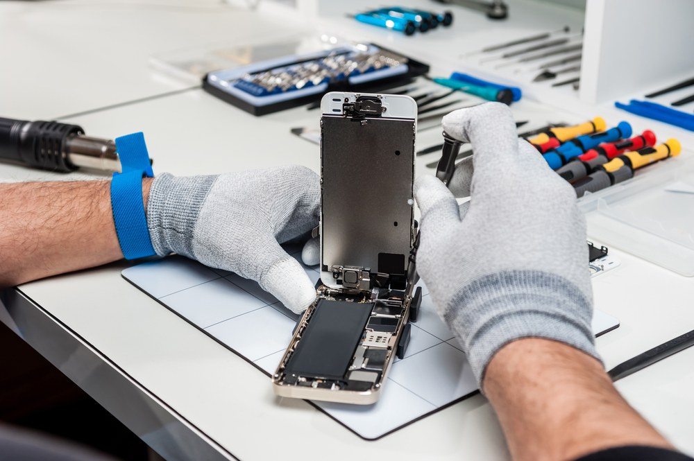8 Important Tips For Cell Phone Repair Technicians