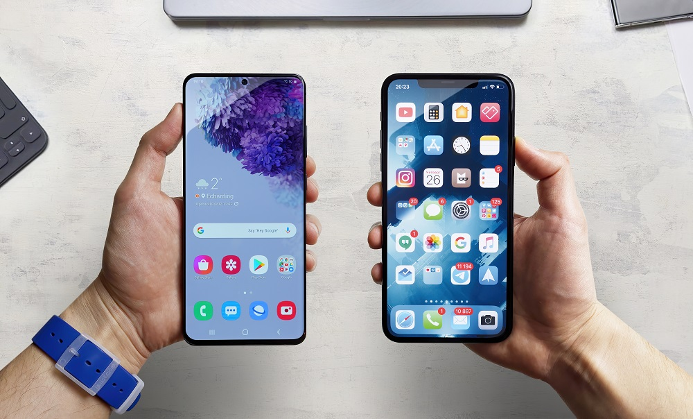 iPhone vs Samsung: The Clash Of The Smartphone Titans!
